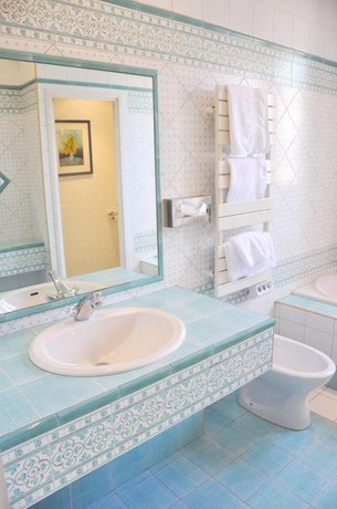 h tel de france auch comparez les offres. Black Bedroom Furniture Sets. Home Design Ideas