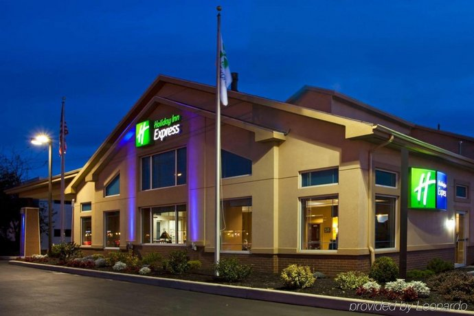 Country Inn & Suites by Radisson Rochester-Pittsford Brighton NY