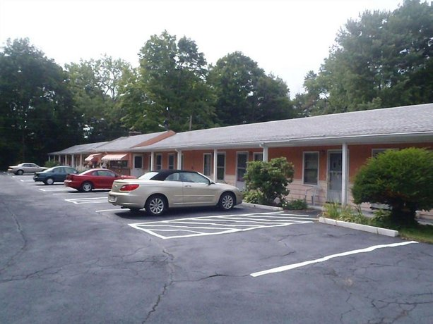 Heart of the Berkshires Motel