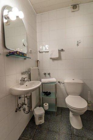 hotel regina darmstadt die g nstigsten angebote. Black Bedroom Furniture Sets. Home Design Ideas
