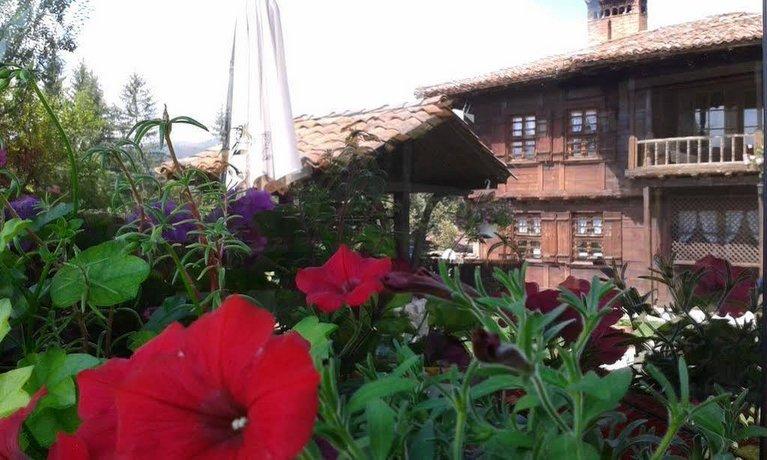 Trayanovi Guest House