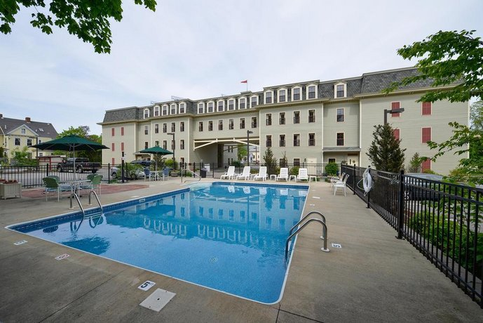 Bar Harbor Hotels >> Bar Harbor Grand Hotel Compare Deals