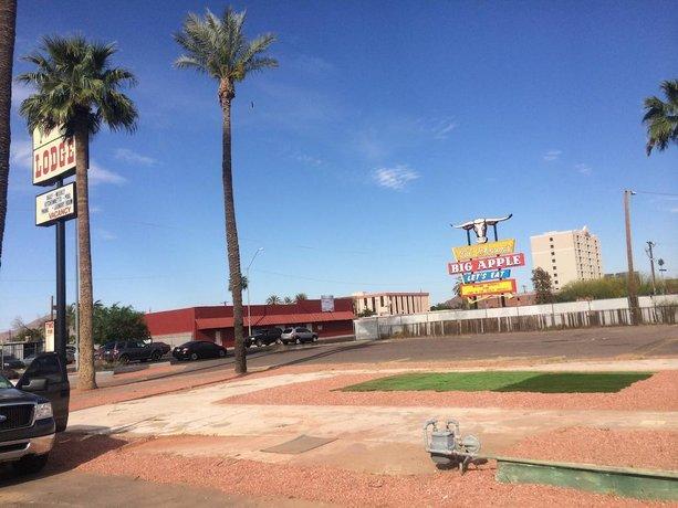 Western Lodge Phoenix Airport Downtown
