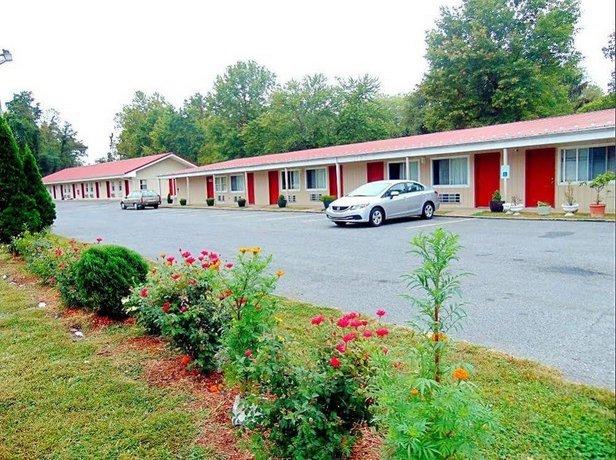 Red Carpet Inn New Buffalo