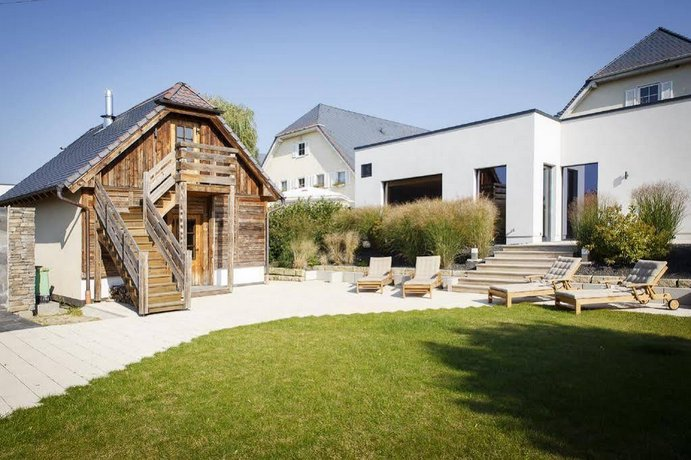 hotel landhaus nicolai lohmen die g nstigsten angebote. Black Bedroom Furniture Sets. Home Design Ideas