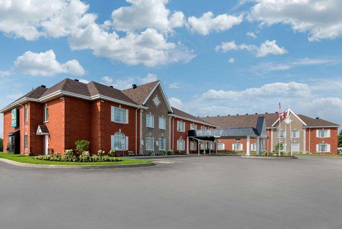 Quality Inn & Suites Oakville
