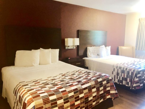 Evergreen Inn & Suites Portland
