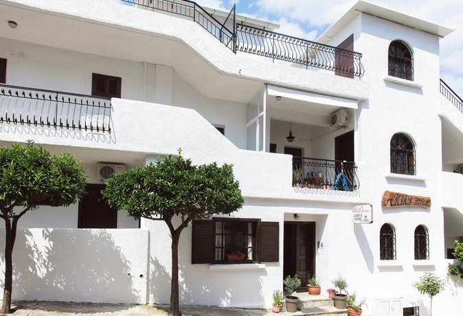 Aria's House Studios & Apartments
