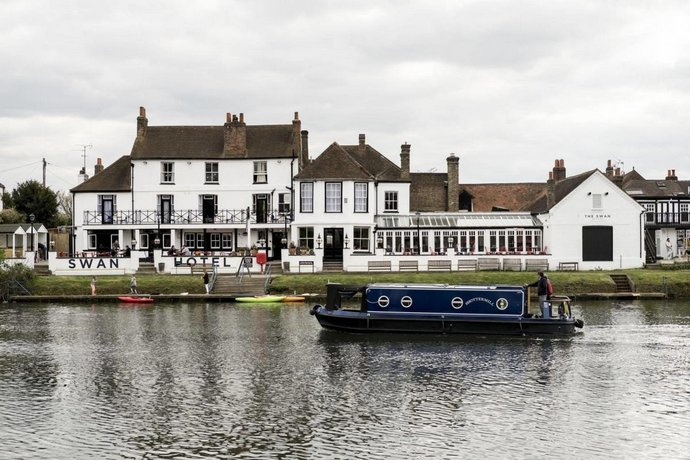 The Swan Hotel Staines