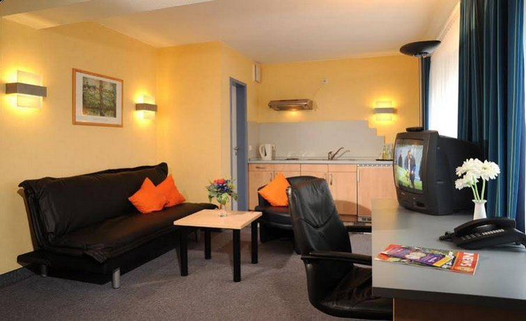 Hotel Triton II