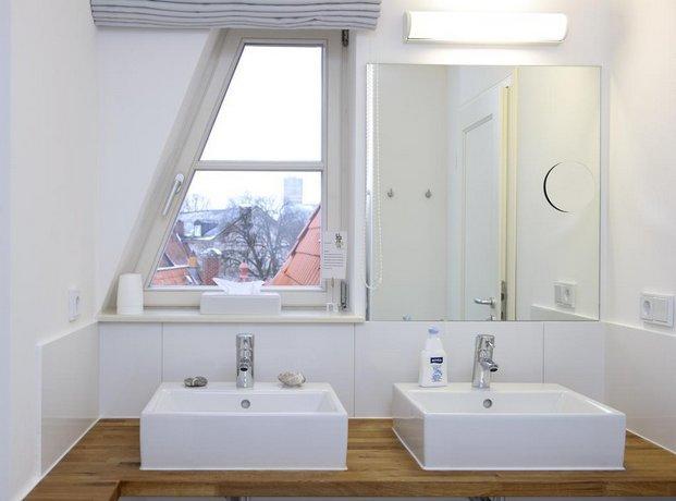 einzigartig das kleine hotel im wasserviertel l neburg die g nstigsten angebote. Black Bedroom Furniture Sets. Home Design Ideas