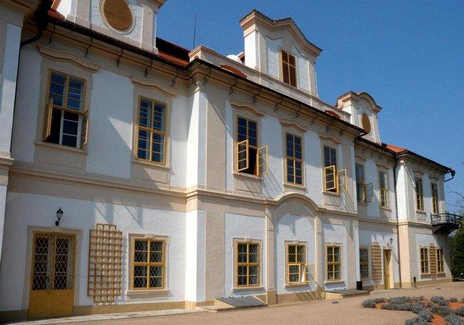 Chateau Loucen Garden Retreat