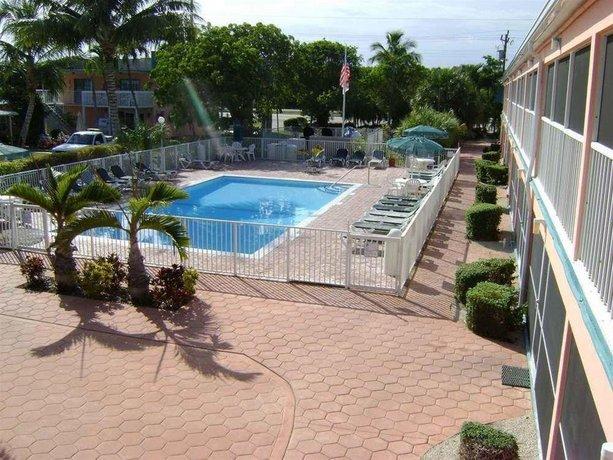 Breezy Palms Resort