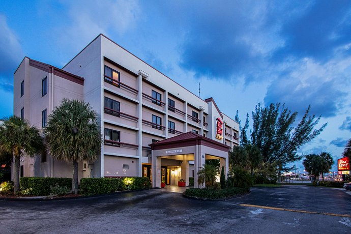 Red Roof Inn PLUS+ Miami Airport