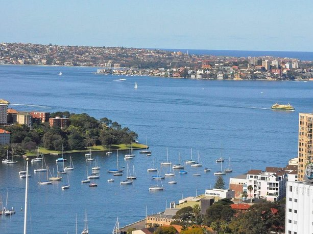North Sydney Fully Self Contained Modern 2 Bed Apartment 2207BER