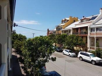 Newcastle Terraces & Apartments - Vista Apartment
