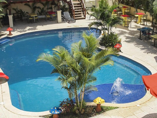 Adult Guide Puerto Barrios