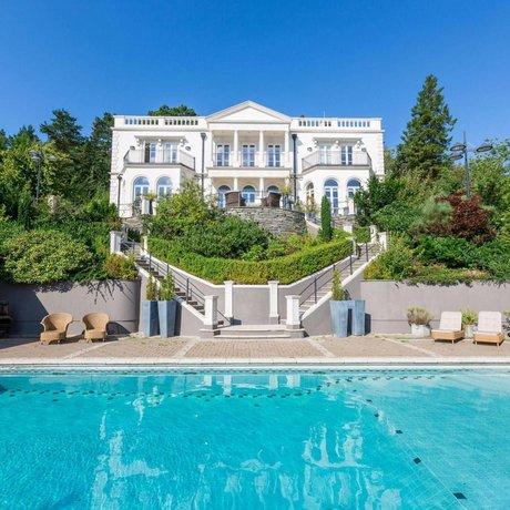 Villa Charlotte Bergen