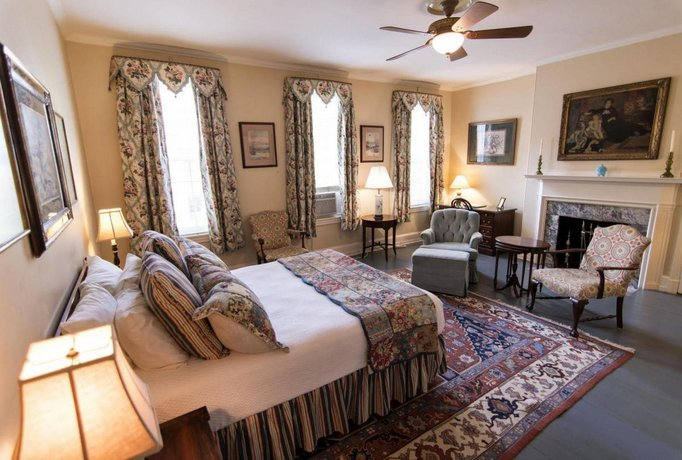 La Reserve Bed and Breakfast