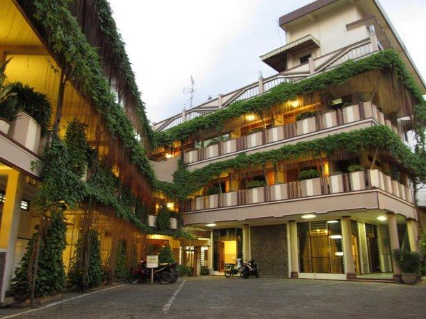 Lestari Hotel