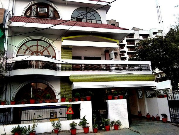 OYO 1806 Hotel Platinum House