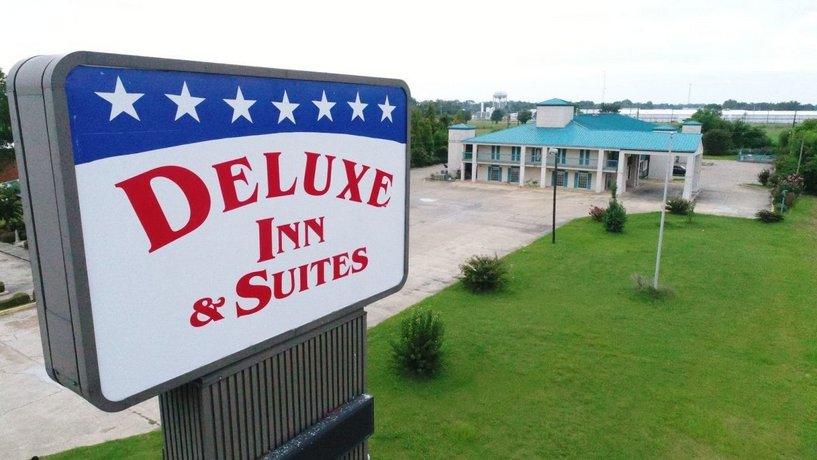 Deluxe Inn & Suites Greenwood