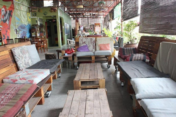 Birdnest Collective Cafe & Guesthouse