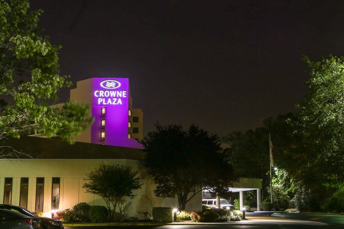 Crowne Plaza Hotel Virginia Beach-Norfolk