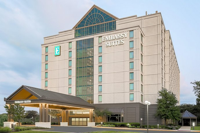 Embassy Suites by Hilton Chicago Lombard