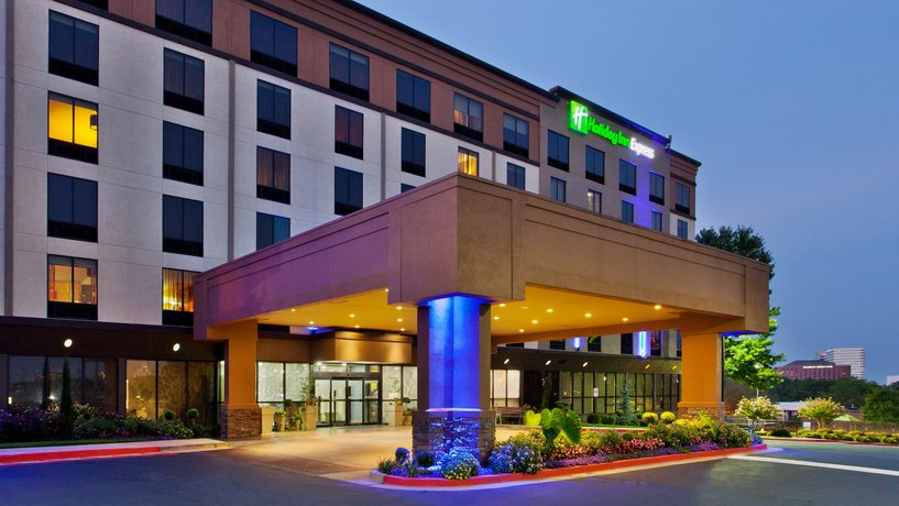 Holiday Inn Express Atlanta NW - Galleria Area