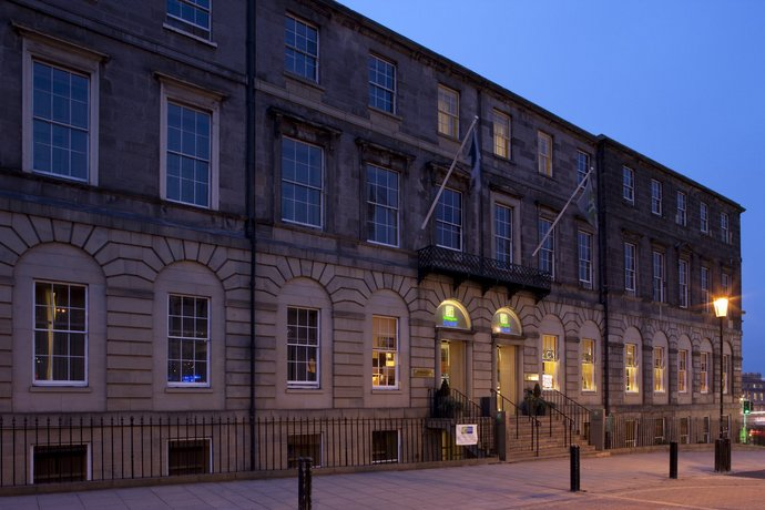 Holiday Inn Express Edinburgh City Centre