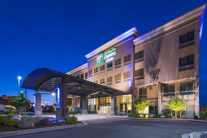 Holiday Inn Express and Suites Colorado Springs