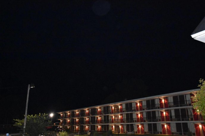Corinth Inn & Suites