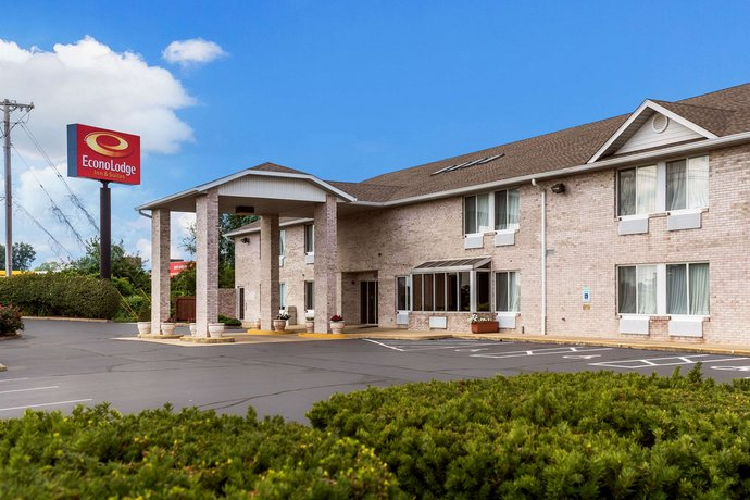 Econo Lodge Inn & Suites Fairview Heights