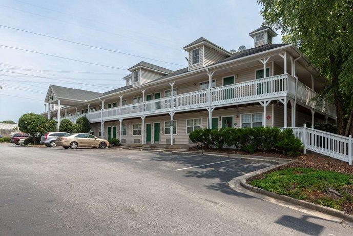 Hometowne Studios Atlanta Ne Norcross South Compare Deals