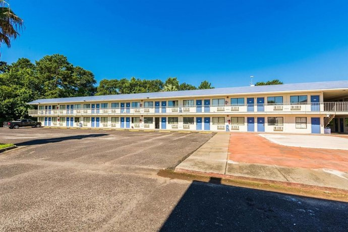 Motel 6 Orange