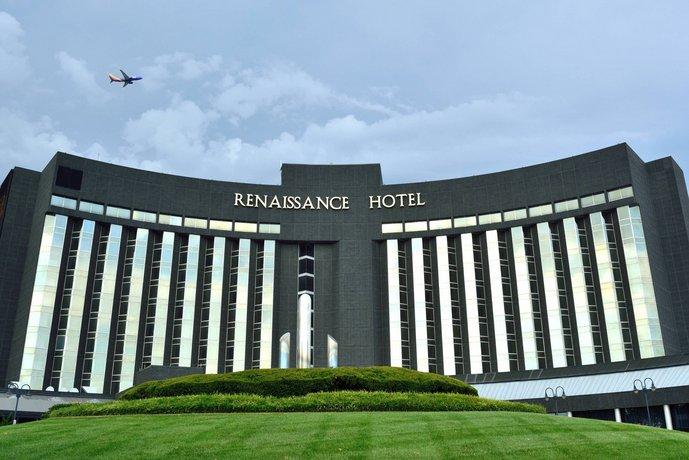 Renaissance St Louis Airport Hotel