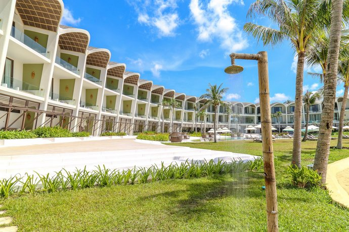 The Shells Resort And Spa Phu Quoc Cua Duong Compare Deals