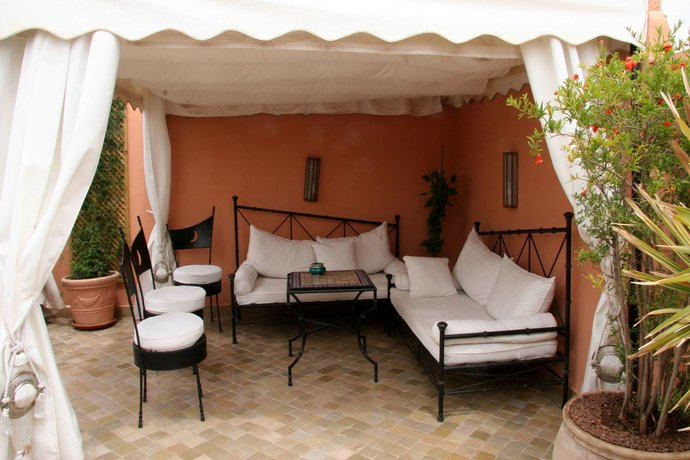 riad couleurs du sud marrakech v rdle pakkumisi. Black Bedroom Furniture Sets. Home Design Ideas
