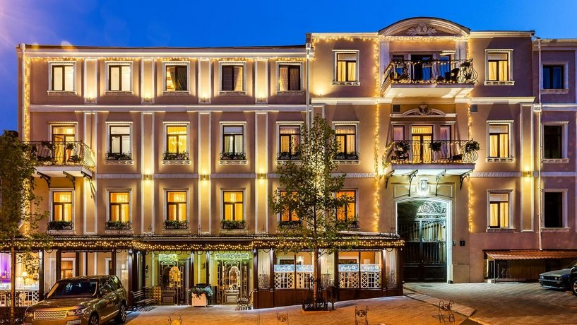 Frederic Koklen Boutique Hotel