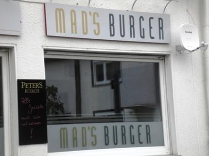 Mad's Hotel & Burger