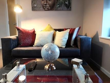 Centauri Apartments in Metropolitan House