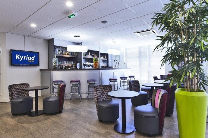 comfort hotel paris porte d 39 ivry ivry sur seine compare. Black Bedroom Furniture Sets. Home Design Ideas