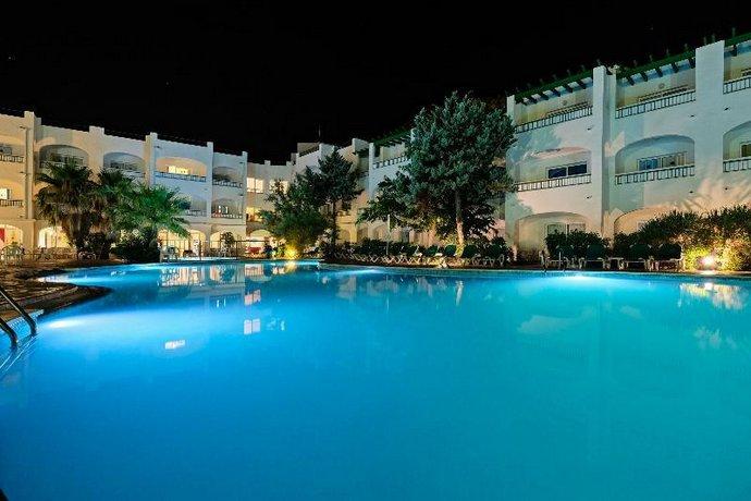 Azuline Hotel-Apartamento Marina Parc - All Inclusive