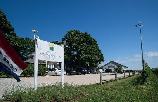 Shinn Estate Vineyards and Farmhouse