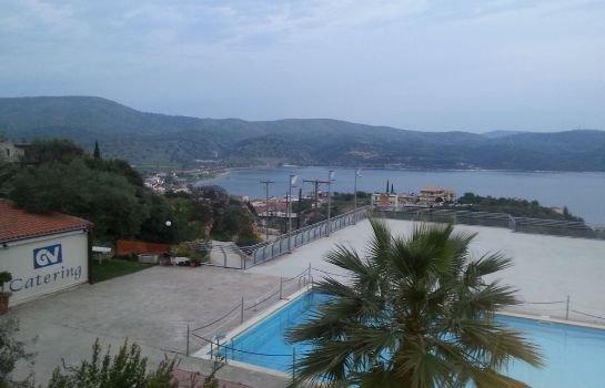 Giannis Village
