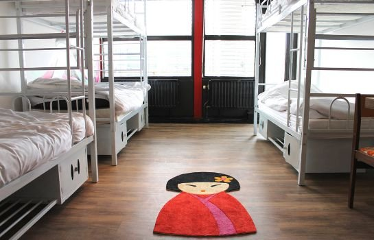 Hostelle - Caters to Women