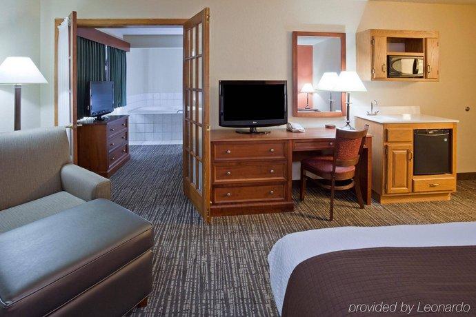 AmericInn Lodge & Suites Alexandria