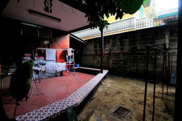 Anurak Guesthouse