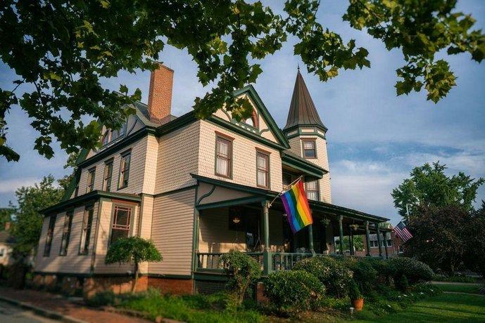 Hummingbird Inn Easton
